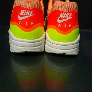 Nike Shoes - 🔥Women's Nike Air Max 1 NS (Size 8)💋